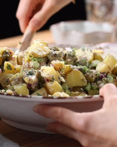 The Ultimate Potato Salad recipe ready in 30 minutes. It is the perfect side dish for any party. Salad Recipes Video, Summer Salad Recipes, Healthy Salad Recipes, Summer Salads, Tasty Videos, Food Videos, Vegetable Side Dishes, Fresco, Mexican Food Recipes