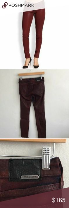 True Religion Womens Jeans 25 brick Red These are NWOT. On damage True Religion Jeans Skinny