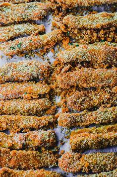 If you love fries (and who doesn't?), you're gonna go crazy over these buffalo eggplant fries ! Coated with spicy buffalo sauce, tahini and crispy Panko breadcrumbs, you won't be able to stop at one! Spicy Recipes, Cooking Recipes, Vegan Buffalo Sauce, Eggplant Fries, Buffalo Fries, Veggie Dishes, Bread Crumbs, Food Print, Tahini