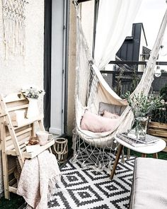 Holidays on Balkonien - destination outdoor oasis! Home sweet home. Zu Hause ist es am schönsten. … Holidays on Balkonien – destination outdoor oasis! Small Balcony Furniture, Balcony Chairs, Small Balcony Decor, Small Patio, Balcony Ideas, Dining Chairs, Room Decor Bedroom, Diy Room Decor, Home Decor
