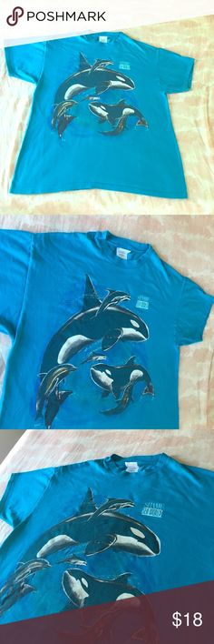 1992 Nature Lovers Shamu/ Sea World 🌎 🌊 Awesome vintage beauty on a bright blue Hanes Heavyweight. XL but calling this a safe Large . Clean 1993 Harlequin Masterpiece. Awesome front logo & ready to make a splash 🌊 Sea World Shamu Wooooo❣️ Vintage Tops Tees - Short Sleeve