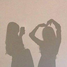 Image discovered by 斯纳. Find images and videos about girls, ulzzang and shadow on We Heart It - the app to get lost in what you love. Photos Bff, Best Friend Photos, Best Friend Goals, Bff Pics, Aesthetic Photo, Aesthetic Girl, Aesthetic Pictures, Couple Aesthetic, Beige Aesthetic