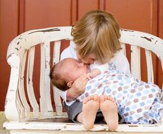 The BEST way to prevent jealousy between siblings when bringing baby home The easiest way to build long lasting bonds between our children and stop sibling jealousy or rivalry before it starts! Bringing Baby Home, Big Sibling Gifts, Little Babies, Baby Kids, 4 Kids, Baby Boy, Unusual Boy Names, Essential Oils For Babies, Pregnancy