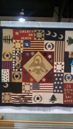 Flags of the American Revolution. Wool and fabric. American Flag Quilt, Patriotic Quilts, Primitive Folk Art, American Revolution, Quilting Projects, Flags, Blanket, Wool, Sewing
