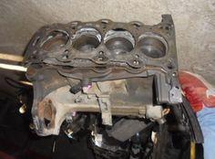 Bloc motor ambielat opel corsa c 1.2 benzina,cod motor z12xe, an de fabricatie 2000-2005.Blocul este complet cu vibrochen,biele,pistoane si baie de ulei .Se poate vinde si separat pe accesorii.