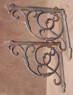 Equerre de style ancien en fer forg fer forg - Equerre fer forge ...