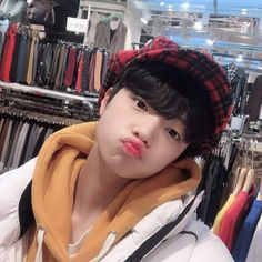 Find images and videos about cute, kpop and icons on We Heart It - the app to get lost in what you love. Korean Boys Ulzzang, Cute Korean Boys, Ulzzang Boy, Korean Men, Asian Boys, Asian Men, Cute Boys, Ulzzang Korea, Lee Dong Wook