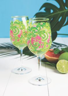 Gotta have these @Lilly Pulitzer glasses for summer!
