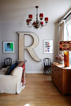 Relaxed Television Room in real homes on HOUSE by House & Garden. Inside a Mews House in London: open-plan living made cosy in a tiny west London mews White Wall Bedroom, White Walls, Mews House, Red Bedding, Blue Rooms, Open Plan Living, Living Spaces, Living Rooms, House Design