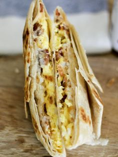 Pin for Later: 19 Copycat Taco Bell Recipes For When the Craving Strikes Copycat Bacon A.M. Crunchwrap Get the recipe: copycat bacon A.M. Crunchwrap