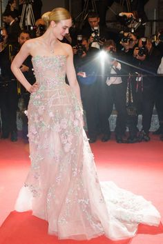 20 May Elle Fanning opted for a fairytale Zuhair Murad gown with floral appliqué.