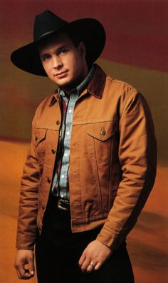 Garth Brooks - Great singer. One of my favorites.