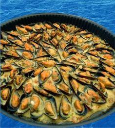 Mouclade saintongeaise Healthy Crockpot Recipes, Easy Healthy Dinners, Oven Recipes, Healthy Dinner Recipes, Seafood Dishes, Seafood Recipes, Mexican Dessert Recipes, Cuisine Diverse, Food Hacks