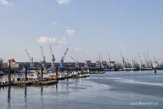 Kaiansichten vom Hamburger Hafen // #Hamburg #HamburgerHafen #Hafen #Schiffe #MeerART / gepinnt von www.MeerART.de