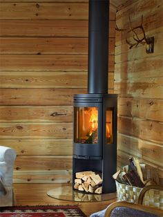 Electric Wood Burning Stove, Beddinge, Stove Installation, Stove Fireplace, Log Burner, Log Cabin Homes, Stoves, Deco, Weekender