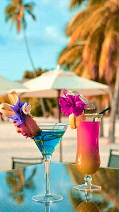 Wine Cocktails, Cocktail Drinks, Alcoholic Drinks, Beach Sunset Wallpaper, Summer Wallpaper, Colorfull Wallpaper, Cocktail Images, Beautiful Love Images, Candy Drinks