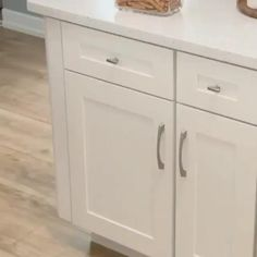 Fully assembled kitchen cabinets online- High quality kitchen cabinets delivered right to your front door Kitchen Cabinet Styles, Diy Kitchen Cabinets, Kitchen Cabinet Organization, Cabinet Ideas, Kitchen Island Storage, Replacement Kitchen Cabinet Doors, Ikea Kitchen Remodel, Kitchen Drawer Pulls, Kitchen Cabinet Layout