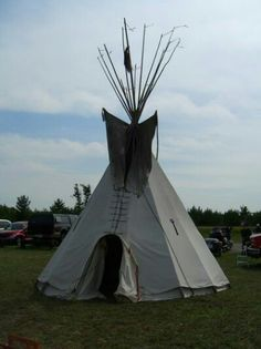 Cows Mooing, Indian Teepee, The Next Step, History Books, Native American Art, Art Google, Outdoor Gear, North America, Nativity