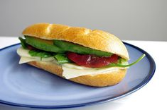 I bring my lunch to work almost every day. As I easily tire of the same items in my lunchbox, I am always looking for inspiration and ways to try new items. Here's a vegetarian sandwich that's inspiring and delicious! Avocado & Cheese Sandwich Yield One sandwich Ingredients 1 hoagie roll 1 slice of Tillamook …