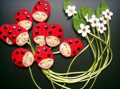 Great idea for bookmarks! Kids Crafts, Felt Crafts, Fabric Crafts, Sewing Crafts, Diy And Crafts, Craft Projects, Sewing Projects, Paper Crafts, Diy Bookmarks