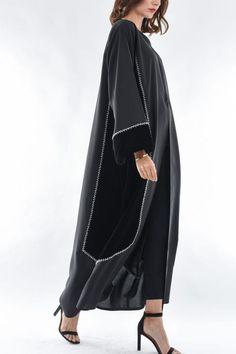 Street Hijab Fashion, Abaya Fashion, Muslim Fashion, Couture Fashion, Fashion Dresses, Abaya Designs Dubai, Abaya Pattern, Modern Abaya, Pakistani Dress Design