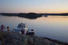 Sommerkveld ved Badstuholmen. Boatlife and sunset outside of Arendal, summer of 2013. Foto: Irene Hegge Guttormsen