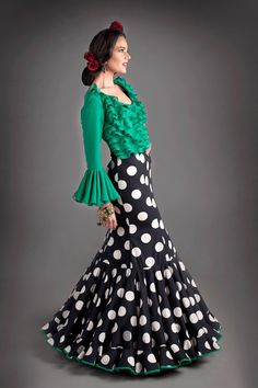 Flamenca Flamenco Costume, Flamenco Dresses, Fashion Now, Fashion Dresses, Hollister Style, Spanish Fashion, Schneider, Pakistani Dresses, Dress Patterns