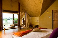 Enjoy the comforts of the ultimate Dambulla hotel in the Forest Dwelling at Jetwing Vil Uyana. Offering a lounge area, private swimming pool and dining room. Sri Lanka, Indoor Swimming Pools, Lounge Areas, Motel, Hotel Offers, Best Hotels, Luxury Lifestyle, Wonders Of The World, Traveling By Yourself
