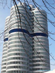 Edificio de BMW. Munich, Skyscraper, Multi Story Building, Germany, Bmw, Paths, Buildings, Skyscrapers, Deutsch