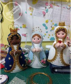 Felt Crafts, Diy And Crafts, Felt Ornaments, Christmas Ornaments, Felt Toys, Felt Art, Doll Patterns, Nativity, Catholic