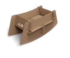 1000 images about karton on cardboard houses Cardboard Playhouse, Cardboard Furniture, Cardboard Crafts, Kids Furniture, Cardboard Houses, Cardboard Design, Baby Crib Diy, Baby Cribs, Cardboard Fireplace
