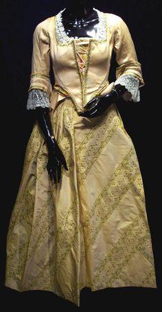 Christina Ricci ~ Katrina Van Tassell ~ Yellow gown ~ Sleepy Hollow