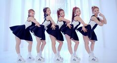 """[article][MV][live stage] Rain creates key choreography for CLC's debut song """"Pepe""""."""