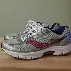 Saucony Grid Cohesion Running Shoes Size 8.5 Really nice pair of pink, purple, silver, and white Saucony Grid Cohesion running shoes in size 8.5. Worn only a couple times, from a non smoking home. Saucony Shoes Athletic Shoes