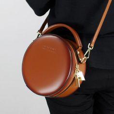 LEATHER BROWN CIRCLE BAG CIRCLE PURSE ROUND PURSE ROUND BAG CROSSBODY BAG HANDBAG CLUTCH