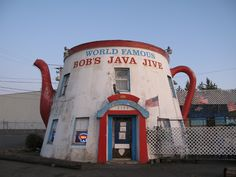 Bob's Java Jive : Washington is home to the world's biggest coffee pot! No longer functioning as a coffee pot, but as a club these days. Unusual Homes, Unusual Things, Fun Things, Weird Things, Random Things, Tacoma Washington, Washington State, Teapots Unique, I Love Coffee