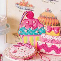 カラフルでかわいい!ファンシーなカップケーキ モチーフのポーチの作り方(布小物) | ぬくもり