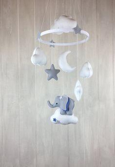 Bebé móvil móvil elepahant cuarto de por JuniperStreetDesigns