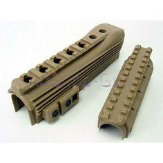 AK74 de type tactique Garde Main avec rails. Construction en plastique. kit de série AK74 d' airsoft, fusil électrique AEG. Ensemble garde main complet avec l'avant rails supérieur et inférieur. Un nouveau look pour votre AEG tactiques. Convient pour AK74  séries électriques AEG.