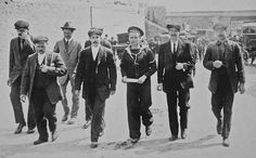 Surviving crew members arriving back in England 421 men and women were employed as stewards in the Victualling Department on the Titanic. These stewards are what today we would refer to as waiters, waitresses and maids. Of the 421, only about 60 survived.