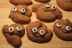 Huch – wie schauen die denn aus? Kann man das essen? Oh ja und die kleinen Scheisser sind total lecker! Von langweiligen runden Cookies haben wir erstmal genug. Dazu gibt es schon genug Rezep…