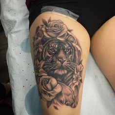 Tiger Tattoo by Sarah Michelle at Black Gold Tattoo Co. Wolf Tattoos, Head Tattoos, Skull Tattoos, Sleeve Tattoos, Finger Tattoos, Dragon Tattoos, Tigeraugen Tattoo, Tigh Tattoo, Note Tattoo