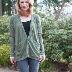 "Lauren Dahl on Instagram: ""My #grainlinestudio #driftlesscardigan is up on the blog! Link in profile. I LOVE THIS PATTERN!  #sewing #isew #handmadewardrobe #sewcialists #makeallthecardigans"""
