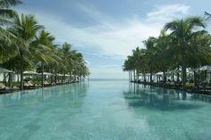 La piscine de l'hôtel The Nam Hai au Viêtnam