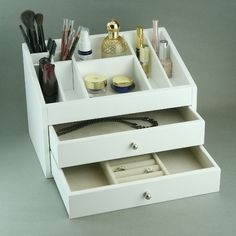 Cosmetic Wooden Jewelry Box In White & Beige