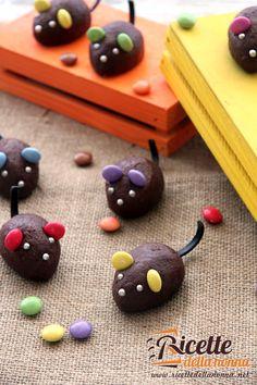 Preparazione Topini al cioccolato di Halloween