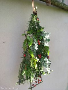Albero di Natale fuoriporta fai da te #DIY #Christmastree   #craft #handmade #natural