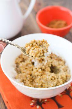 Overnight Creamy Pumpkin Maple Oatmeal {Gluten-Free, Dairy-Free} | Meaningful Eats