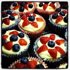 Red, white and blue fruity cakes Buns, Cheesecake, Cakes, Desserts, Red, Tailgate Desserts, Deserts, Cake Makers, Cheesecakes