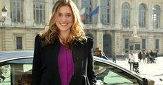 CBS Passes on 'How I Met Your Dad' Starring Greta Gerwig -- The pilot centers on Sally, and follows a young New York City woman's misadventures in love, with Meg Ryan serving as the narrator. -- http://www.tvweb.com/news/cbs-passes-on-how-i-met-your-dad-starring-greta-gerwig
